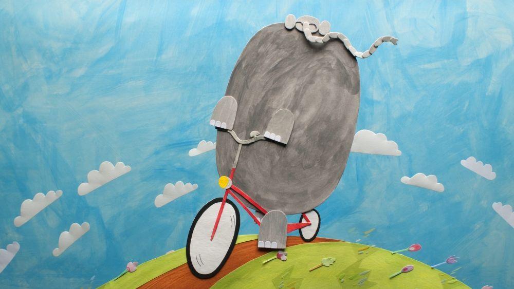 Slon kolesari po svetu