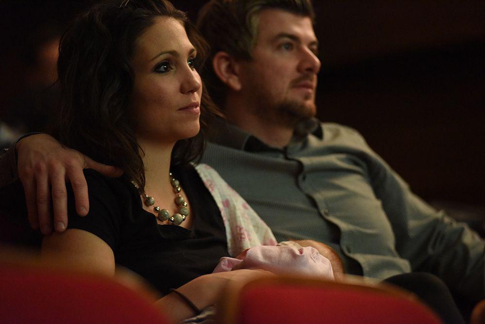 7. Z dojenčkom v kino