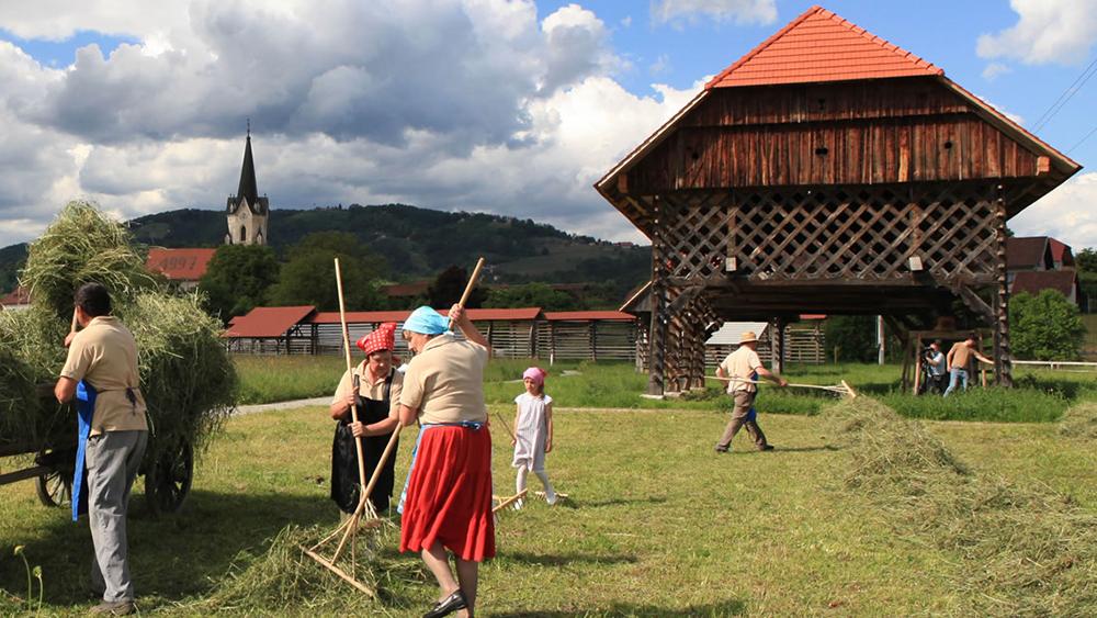 Slavnostna premiera dokumentarnega filma Kozolci na Slovenskem – podobe sedanjosti