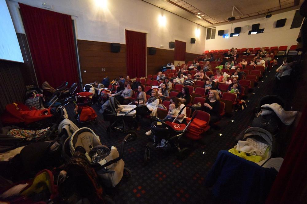 1. Z dojenčkom v kino