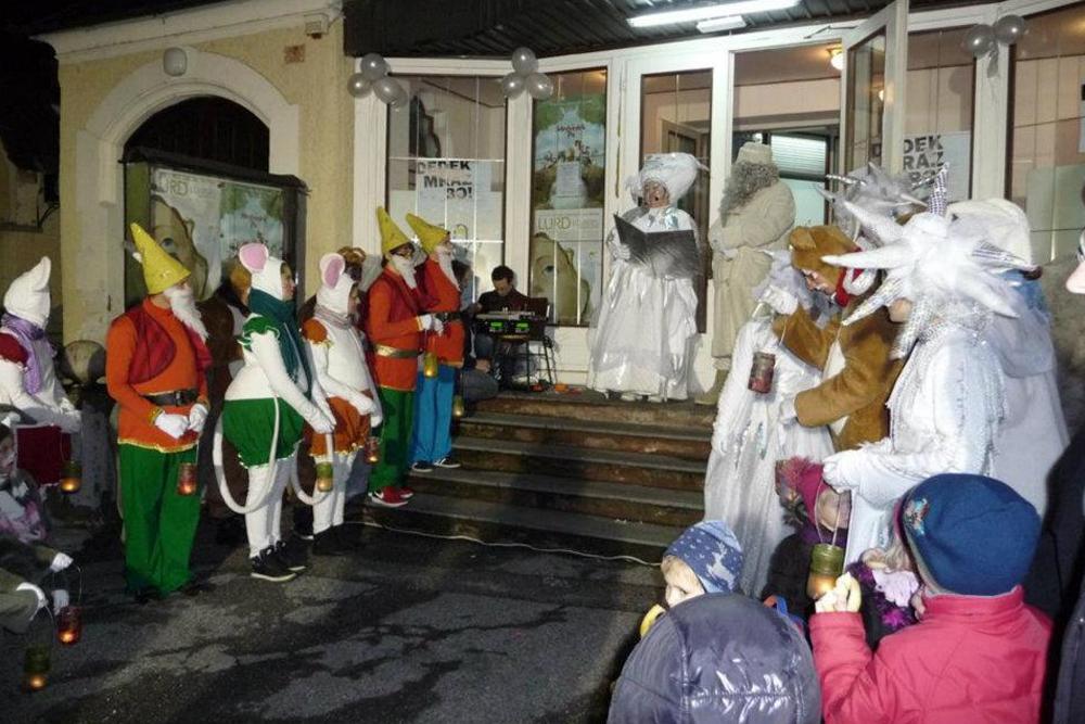 Odhod Dedka Mraza in Tete Zime